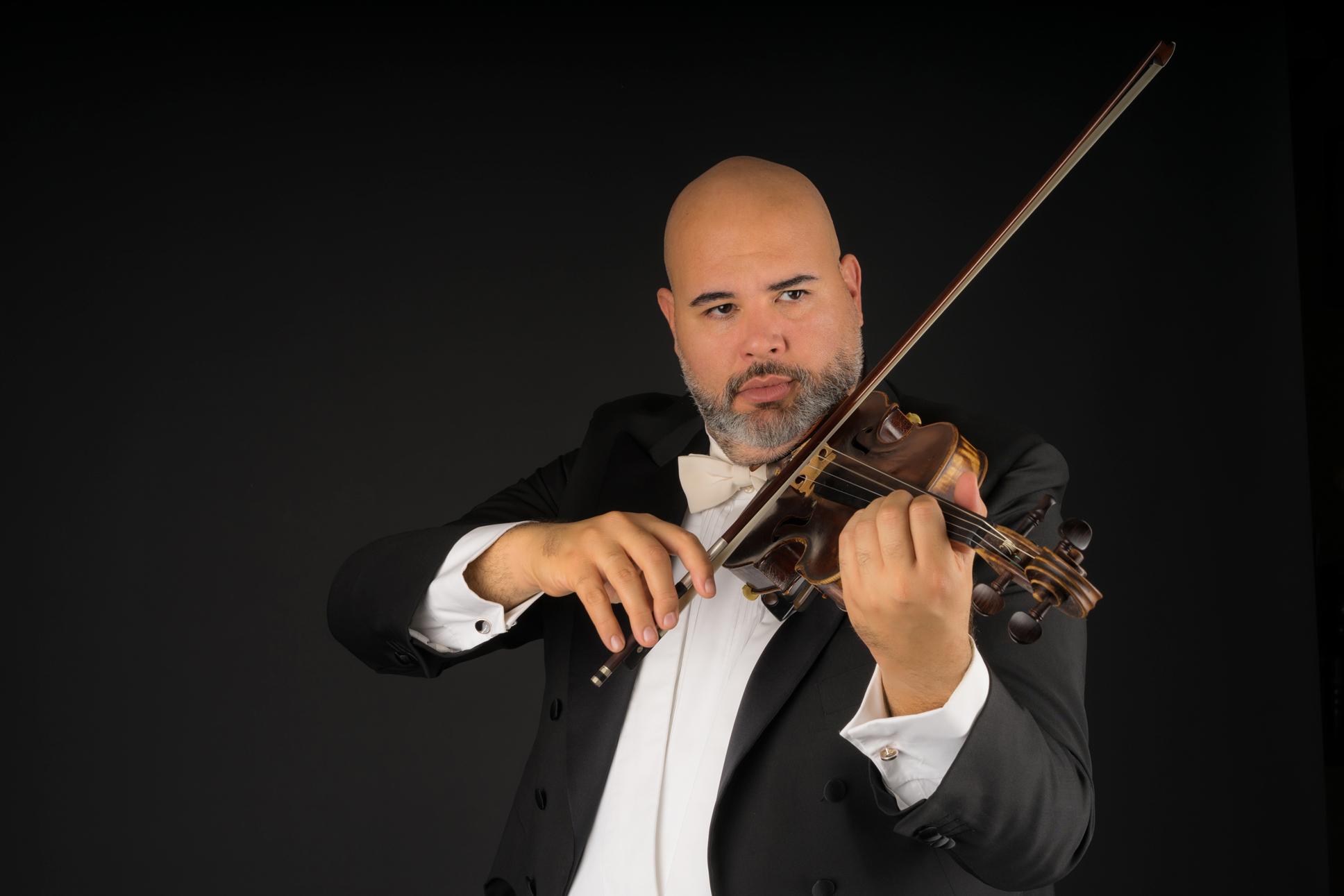 Gianmaria-Melis-Sito-violino-smocking-home
